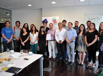 Se firma acuerdo para apoyar el fomento de la programación en los escolares en Chile