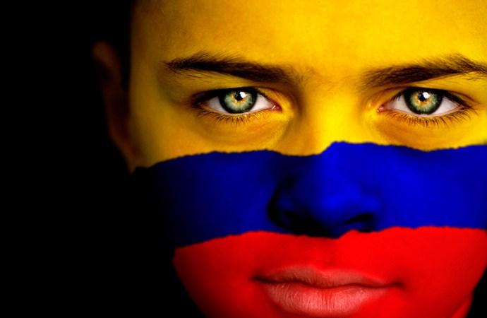 1 de cada 3 colombianos bancarizados paga sus compras en efectivo
