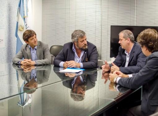 Enacom firmó un convenio con el municipio de Villa La Angostura