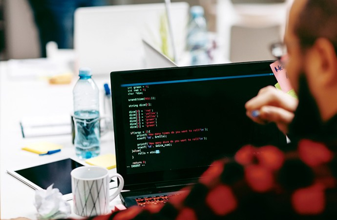 Tecnología para la oficina: ¿Compra o renta?