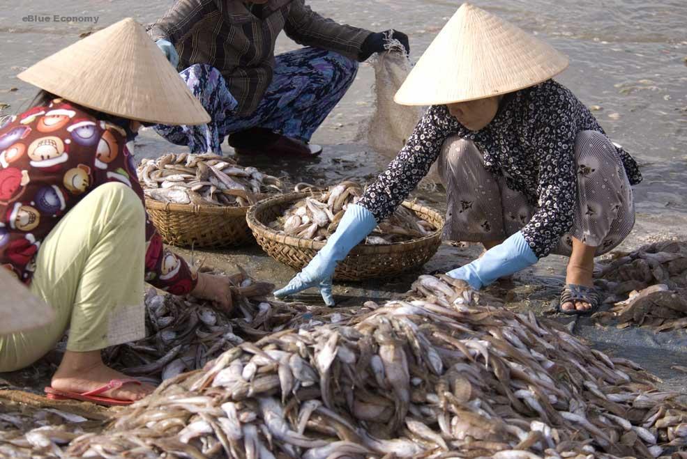 eBlue_economy_Women_Asia_workers