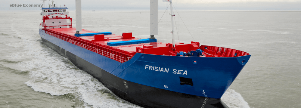 eBlue_economy_Boomsma Shipping installs and sails off with two eConowind Flatrack VentiFoils