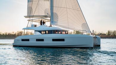 eBlue_economy_Lagoon_Yacht