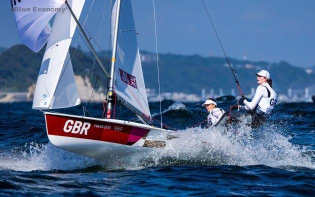 eBlue_economy_ Tokyo Olympics_ Hannah Mills_ family cheer her to gold