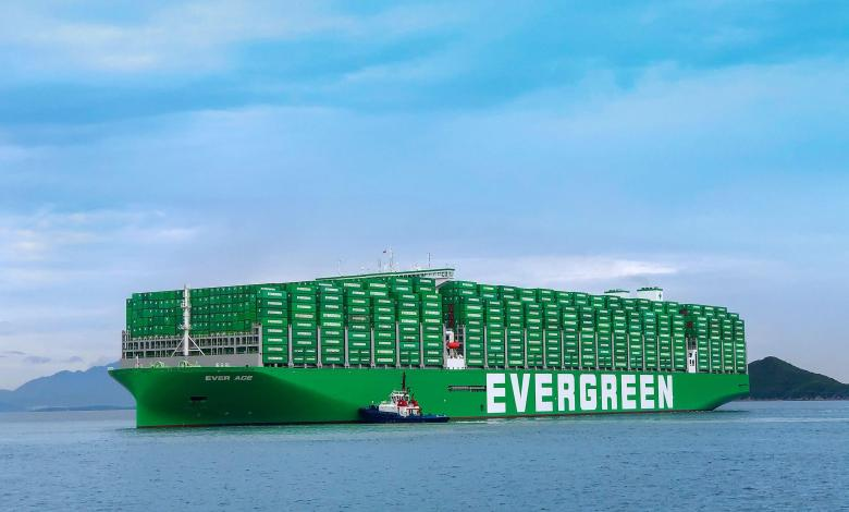 eBlue_economy_Evergreen's mega container ship Ever Ace with WinGD's large bore X92 bore size engines crossed the Suez Canal