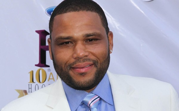 Thanksgiving Dinner With Anthony Anderson - Ebony