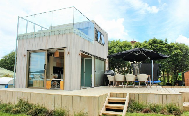 Rooftop Deck Maximises Space For Raglan Tiny House Eboss