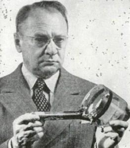 Zworykin holding the iconoscope tube