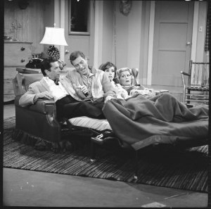 Morey Amsterdam, Dick Van Dyke with Mary Tyler Moore and Rose Marie in The Dick Van Dyke Show in 1961
