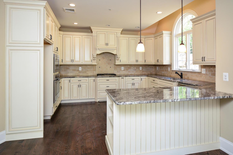 1280 Cedar Grove Rd Media PA-large-014-Kitchen-1500×1000-72dpi