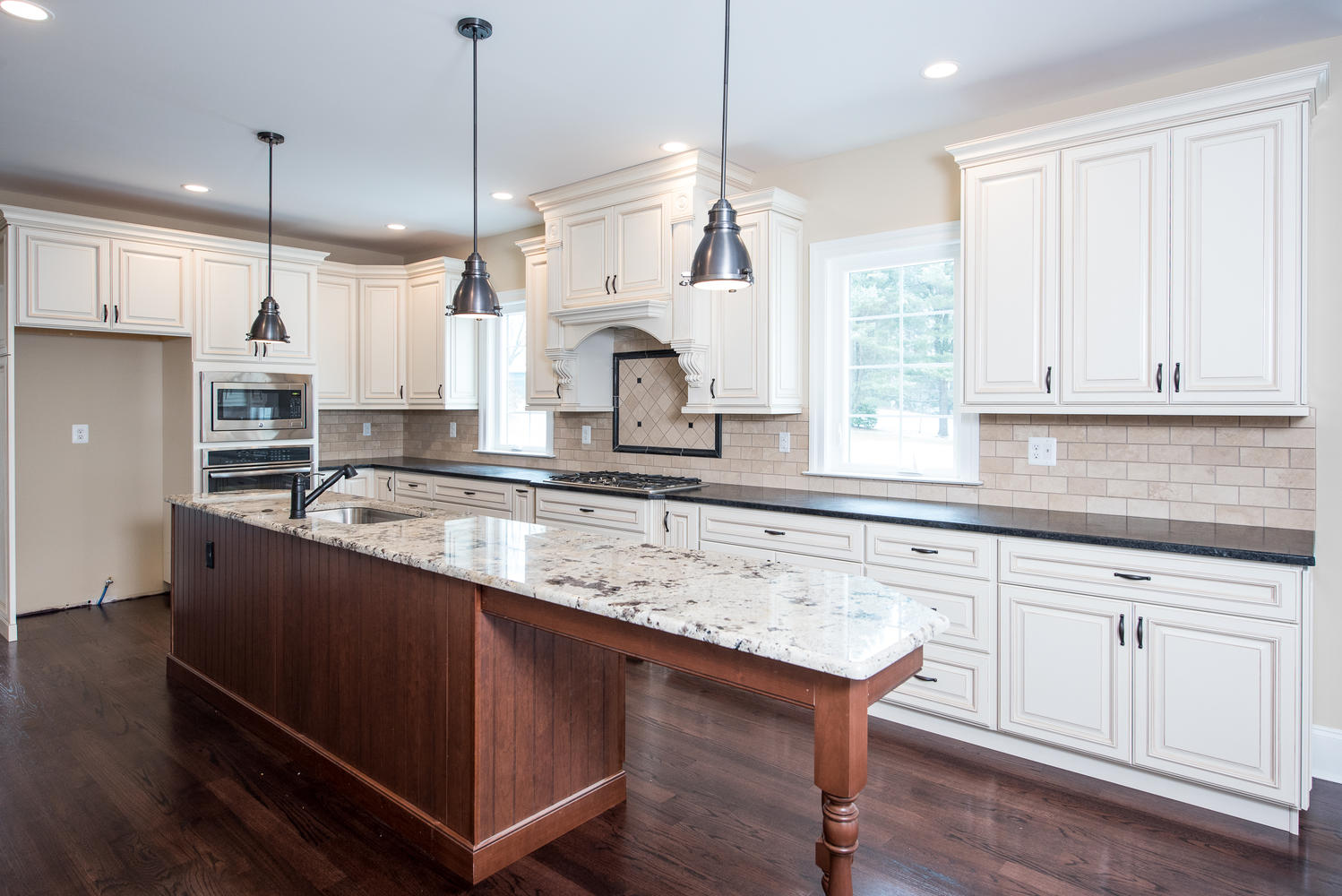 3402 Lewis Rd Newtown Square-large-009-Kitchen-1499×1000-72dpi