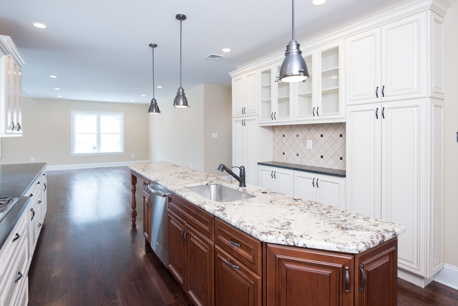 3402 Lewis Rd Newtown Square-large-013-Kitchen-1499×1000-72dpi