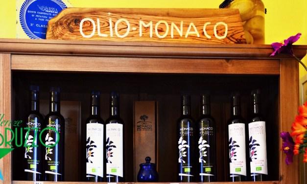 """Azienda Agricola biologica """"Monaco"""": produciamo olio per passione"""