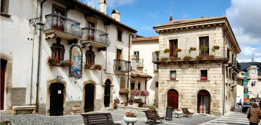 Per le vie del borgo: Pescocostanzo (Aq)