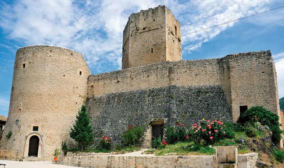 Pettorano sul Gizio Castello Cantelmo