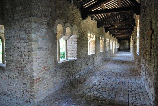 chiostro abbazia-di-san-giovanni