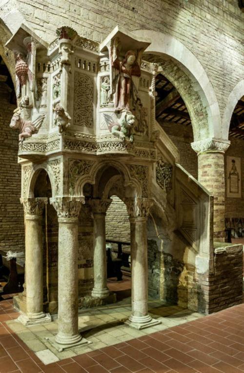 Chiesa di Santa Maria del Lago Moscufo Abruzzo