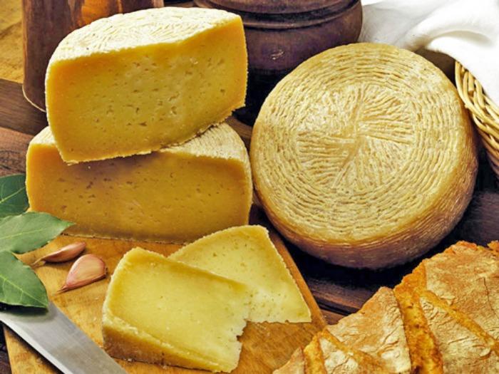 Canestrato di Castel del Monte formaggio