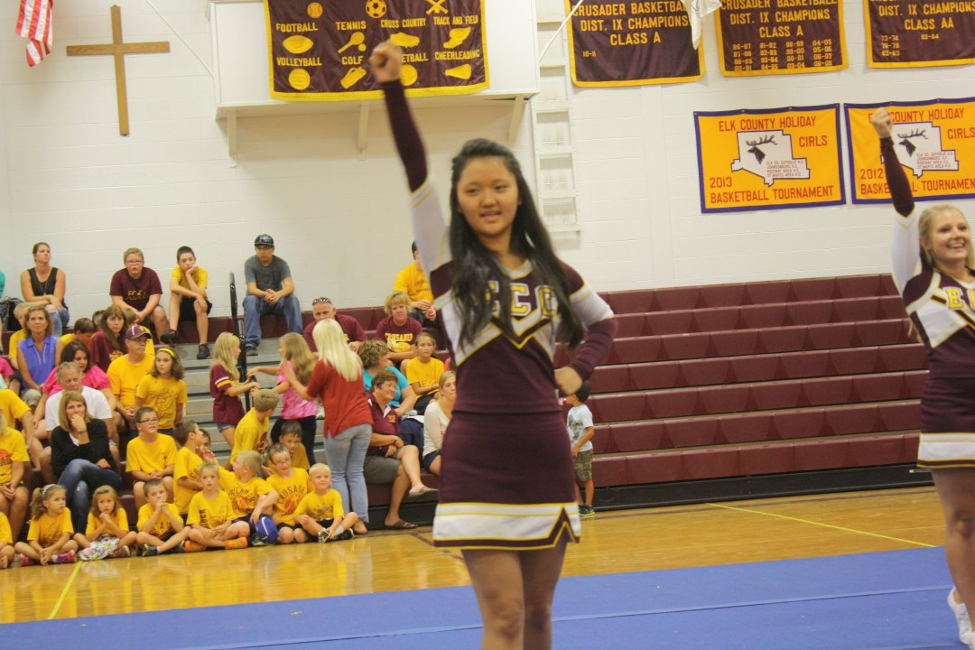 Vicky Cheering
