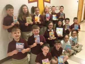 Grant provides second graders at SMCES with books for classrooms