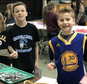 Elementary school students contribute to community dinner