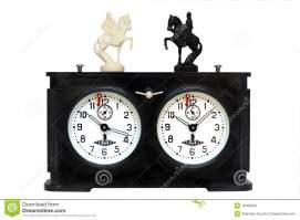 vieille-horloge-d-échecs-18183090[1]