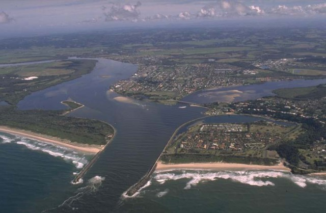The Richmond River estuary at Ballina was rated F in a 2015 Ecohealth report. Photo environment.nsw.gov.au