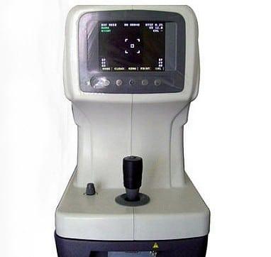 vue de face de l' autorefractometre RMK-200