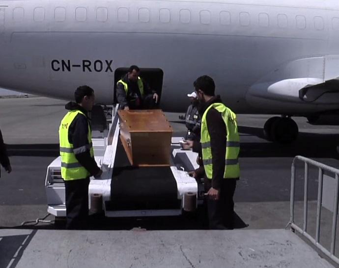 Aéroport d'Alger: 58 dépouilles rapatriées de France en une seule journée