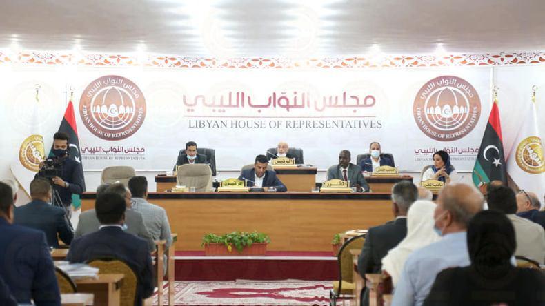 """Libye: le Parlement vote une """"motion de censure"""" contre le gouvernement"""