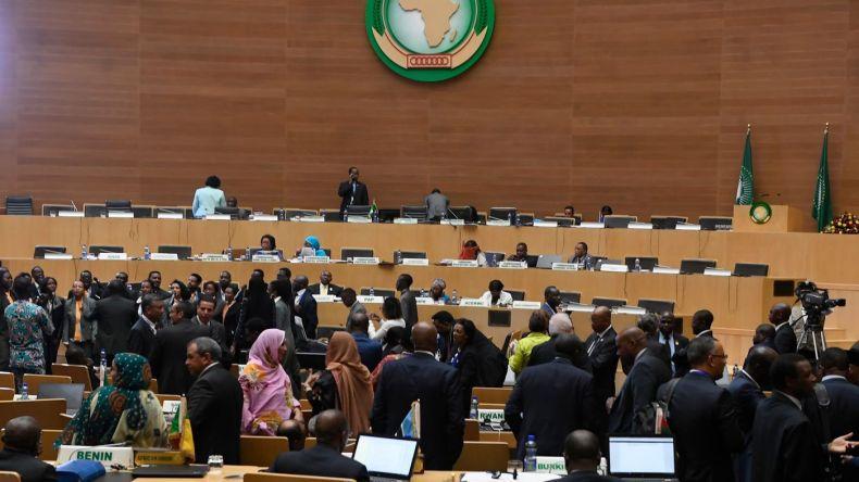 رفقة حليفه الجديد الشرق أوسطي.. المغرب يُمنى بهزيمة أخرى في الإتحاد الإفريقي