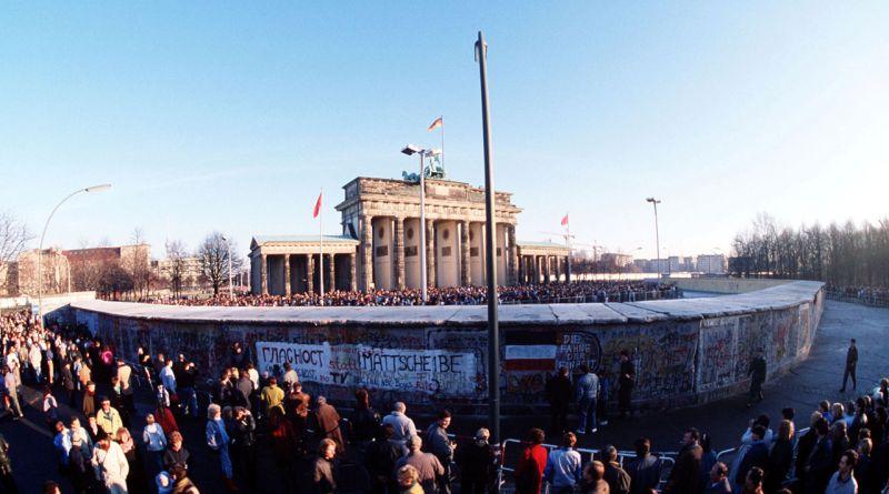 9 novembre 1989 : le  mur de la honte s'écroule …