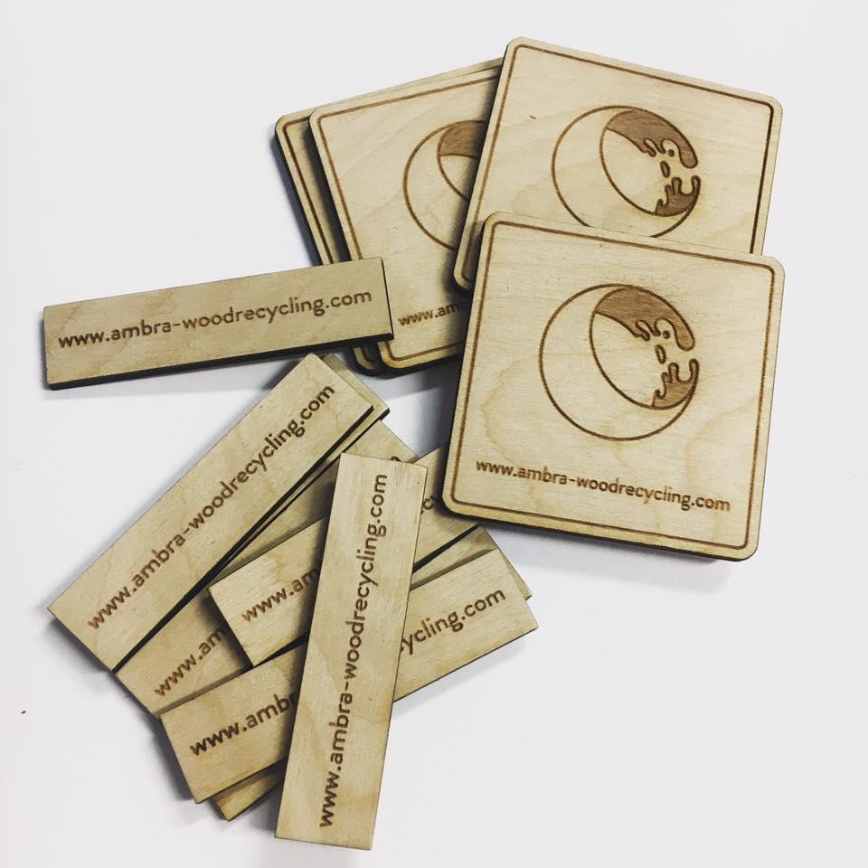 etichette in legno