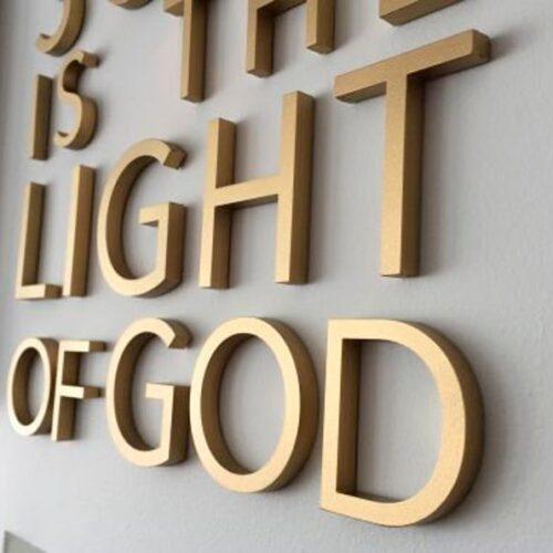 lettere rilievo color oro
