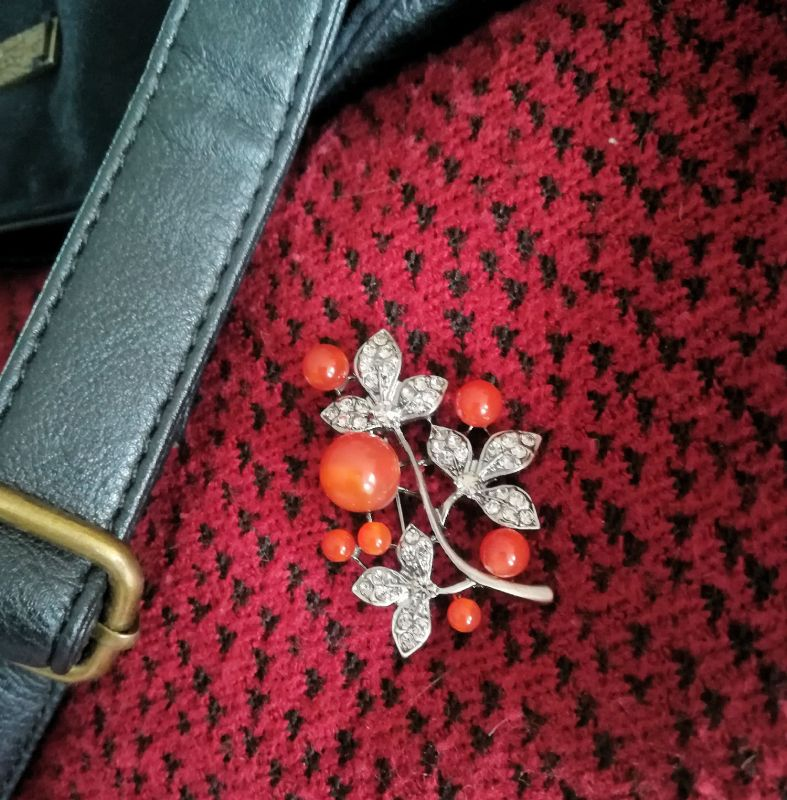 broche-sac-rouge