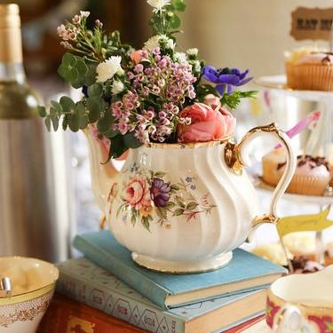 VINTAGE CHINA & ACCESSORY HIRE