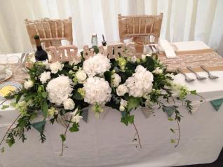 FLORAL TOP TABLE