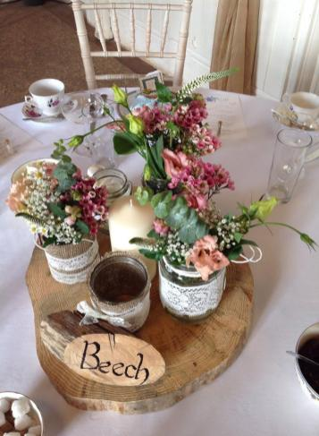 RUSTIC WOOD TABLE CENTRES 2