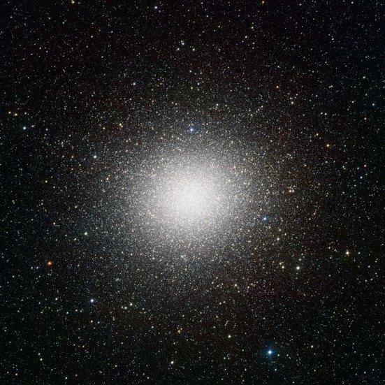 9 VST image of the giant globular cluster Omega Centauri(120 x 120 cm) VERKOCHT