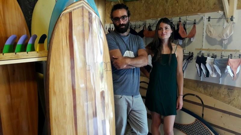 """""""Sinon"""" une nouvelle marque propose des alternatives aux maillots  et planches de surf"""