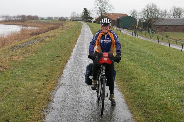 Bij een natuurroute op de fiets hoort ook een beetje regen (in de buurt van Nijkerk)