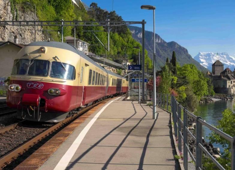 Europa per trein: TEE trein bij Veytaux-Frankrijk