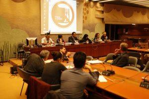 Procurador da República Marco Antônio Delfino (centro), em evento da ONU, com indígenas de MS e a relatora especial Victoria Tauli-Corpuz
