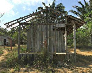 """""""Posto de saúde"""" improvisado pelos indígenas para receberem médicos, enfermeiros e odontólogos na aldeia Maracaxi, em Aurora do Pará (foto: MPF)"""