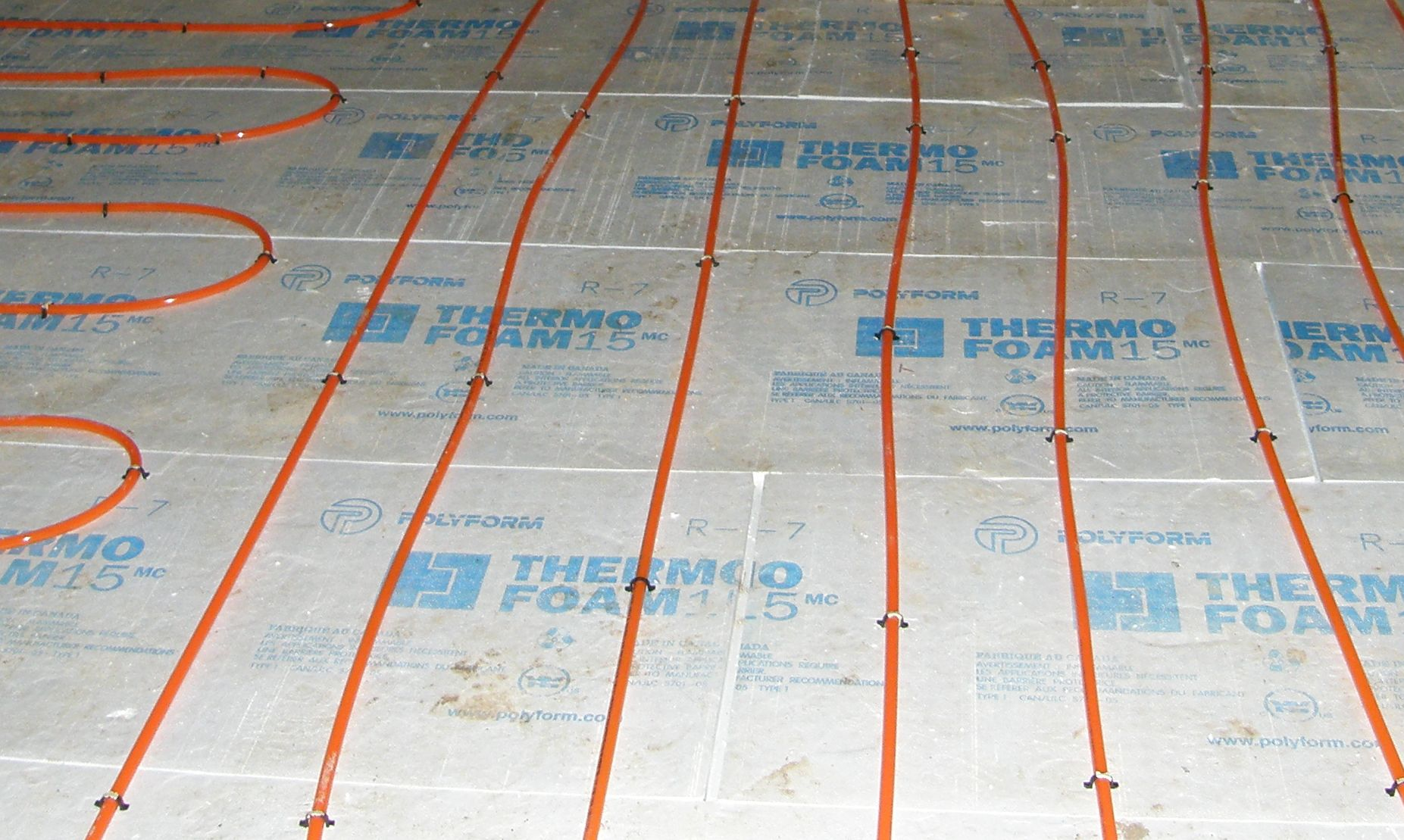 Heating and cooling the eco built home for Insulating basement floor before pouring