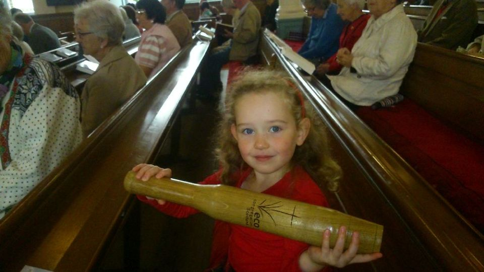 Baton with young supporter in Callander Kirk