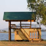LAKESIDE SHIPPING CONTAINER RETREAT IN SRI LANKA