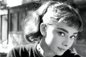 Audrey Hepburn b/n