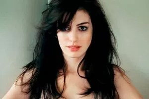 Anne Hathaway mora