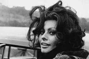 Sophia Loren black and white